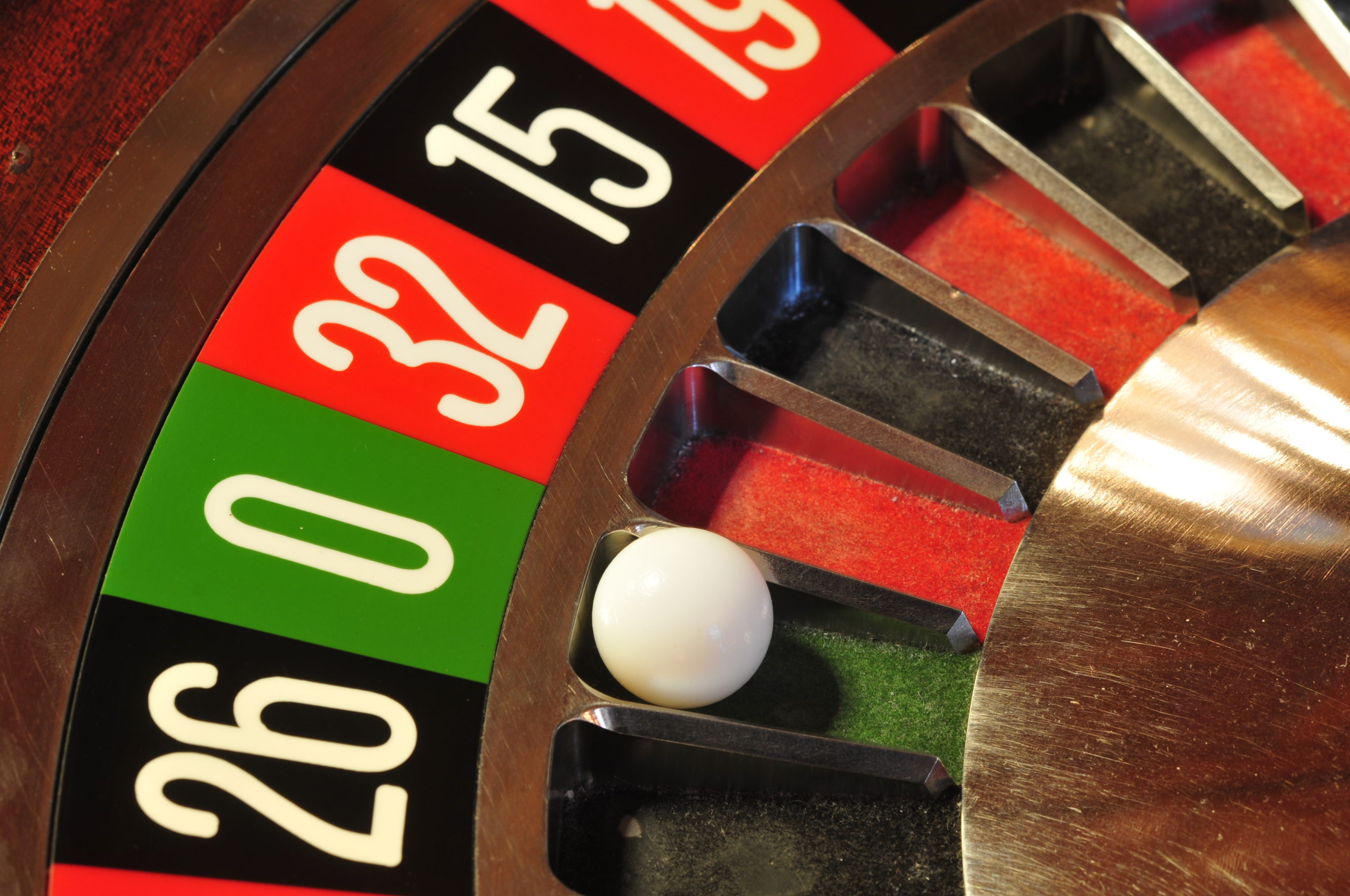 play casino roulette